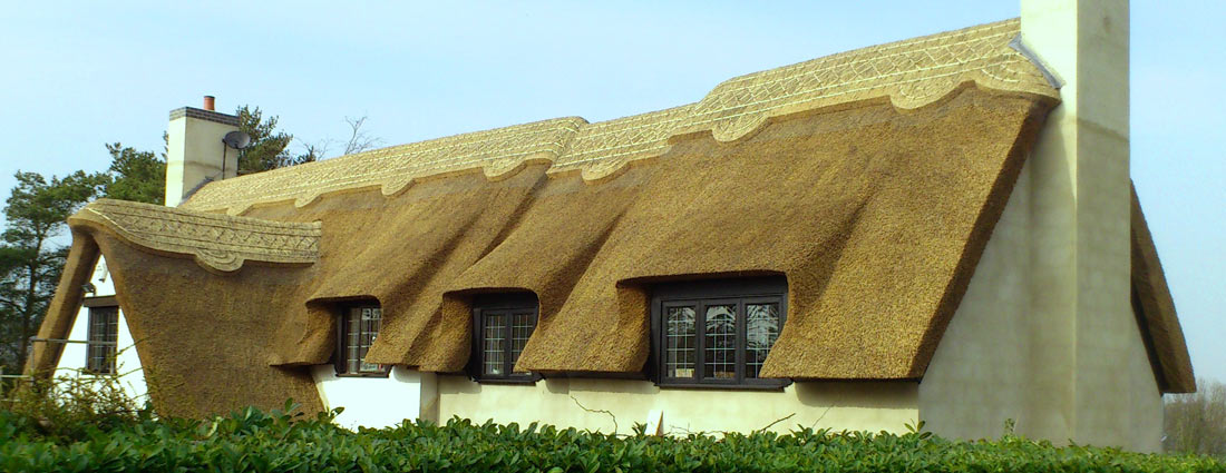 thatch roof specialist thatcher serving east midlands counties - Thatched Rood